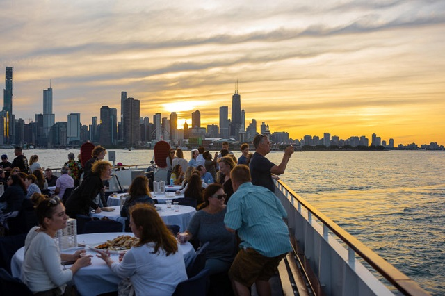 Five Top River Sightseeing Tour in Chicago