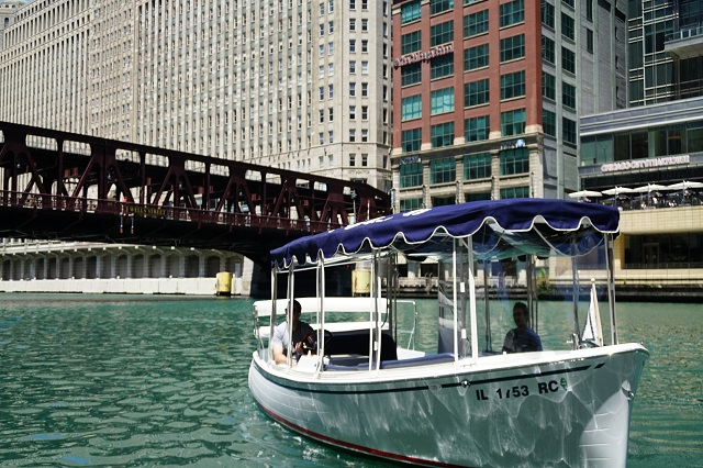 14 Best Chicago Boat Tours to Try in 2021